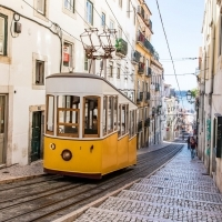 The COVID-19 vaccines and undocumented migrants in Portugal