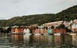 The COVID-19 vaccines and undocumented migrants in Norway